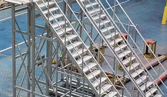 铝型材配件加工时事如何处理和避免铝材弯曲的?